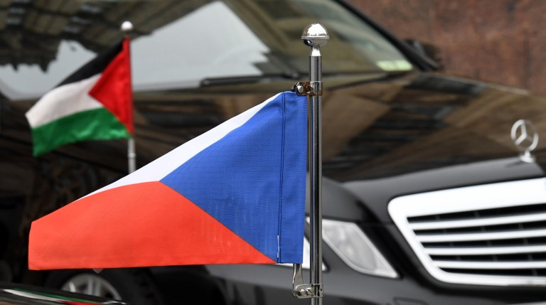 "Affaire Skripal: Les Etats-Unis expulsent 60 ""espions"" russes"