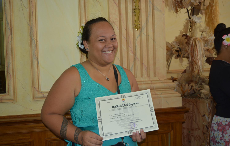 Reiarii Mauritera, toute heureuse de ce diplôme qui représente tant pour elle.