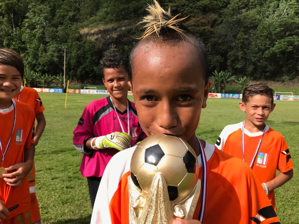 180 enfants disputent la coupe du monde de football à Titioro