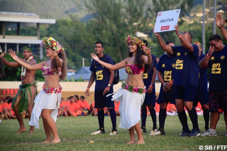 Le groupe Hei Tahiti a accompagné les délégations