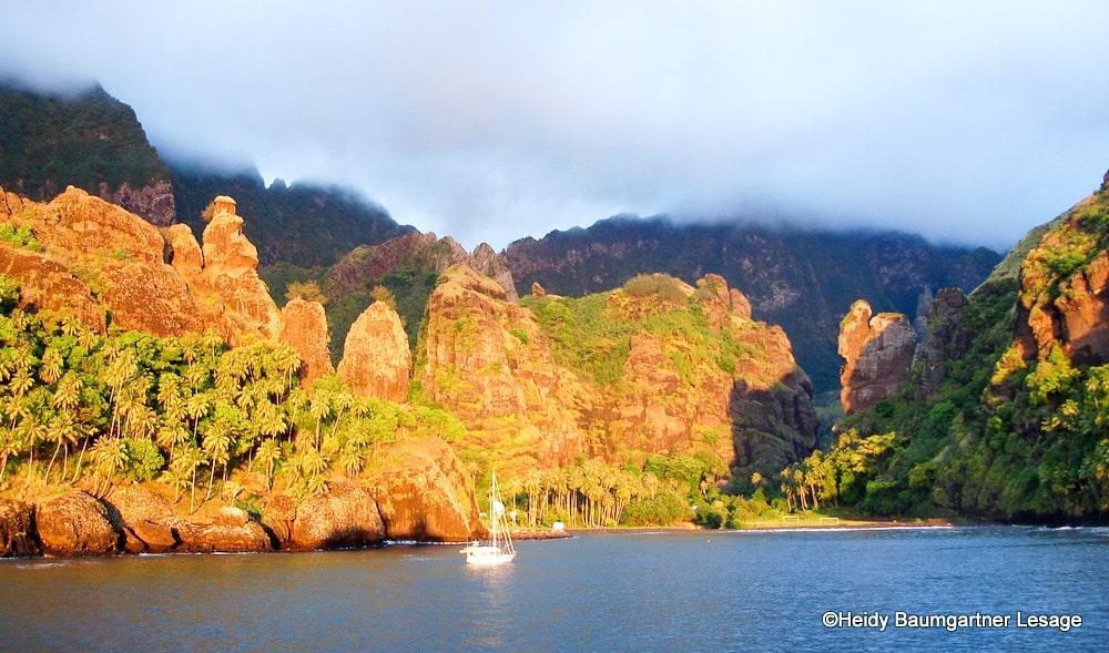 La baie des vierges à Fatu Hiva fait partie des neuf sites marquisiens.