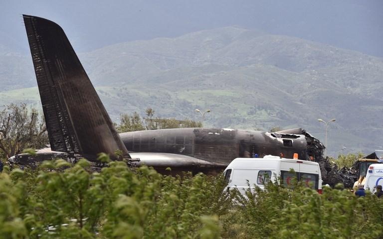 Un avion militaire s'écrase en Algérie: 257 morts, pire drame aérien du pays
