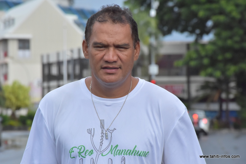 """""""Bâtir une Polynésie plus prospère, plus juste et plus solidaire"""" (Nena)"""