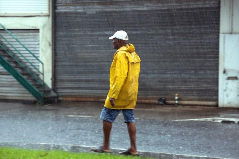 Fortes pluies et orages en Martinique: inondations, glissements de terrain, routes coupées