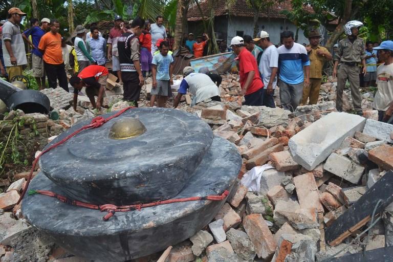 Indonésie: sept morts dans l'effondrement de bâtiments