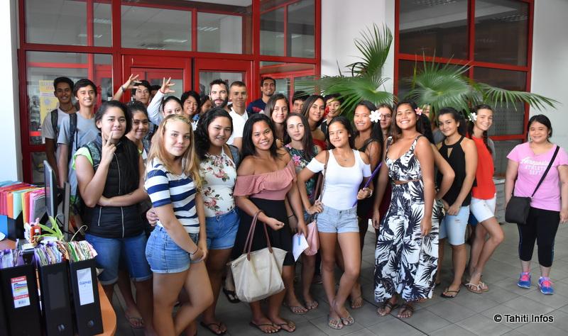 La classe de seconde B du lycée Samuel Raapoto s'intéresse de près à la presse et aux métiers de ce secteur.