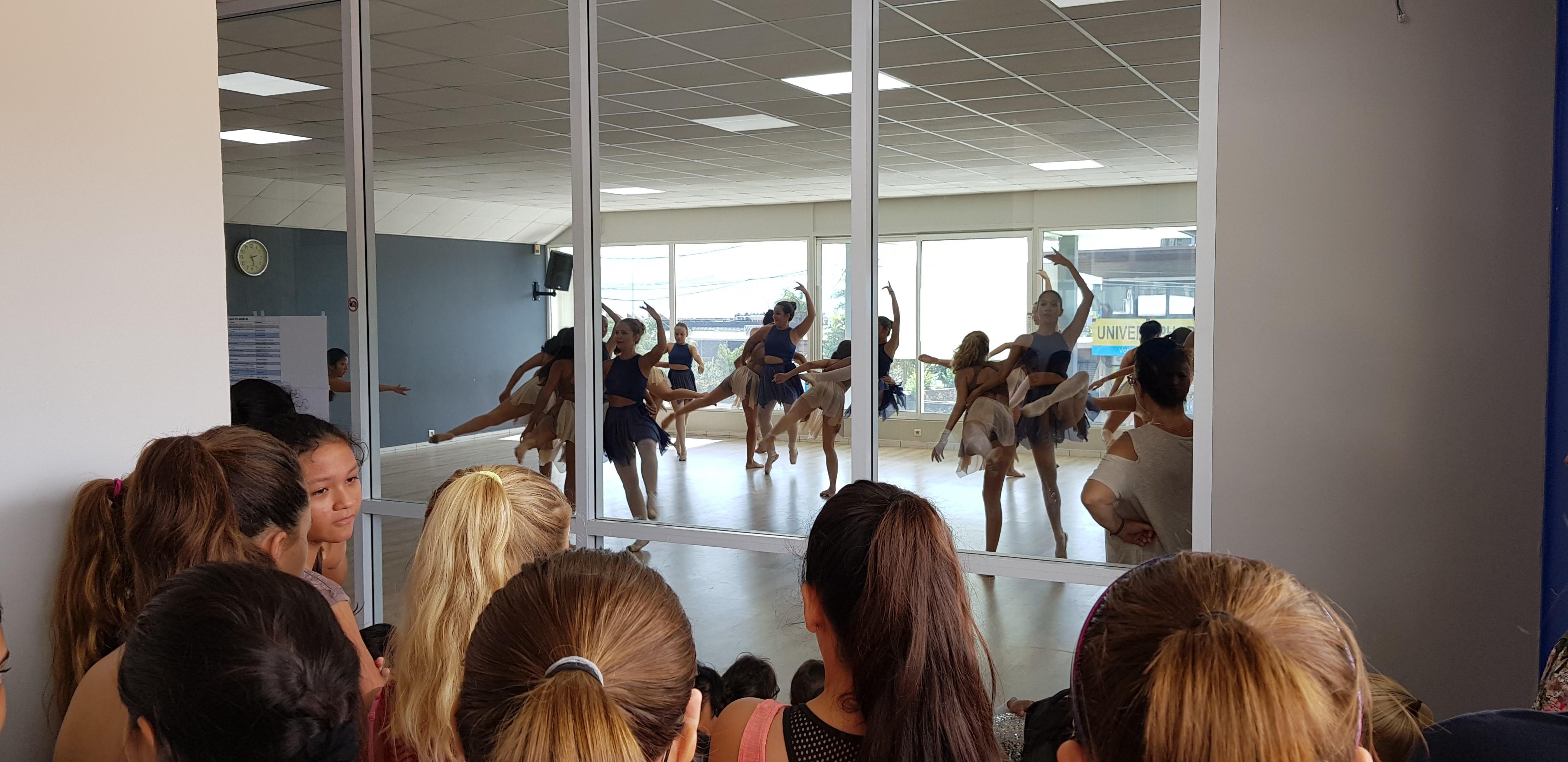 : Les danseurs et danseuses du centre Vanessa Roche s'entraînent depuis plusieurs mois pour le spectacle.