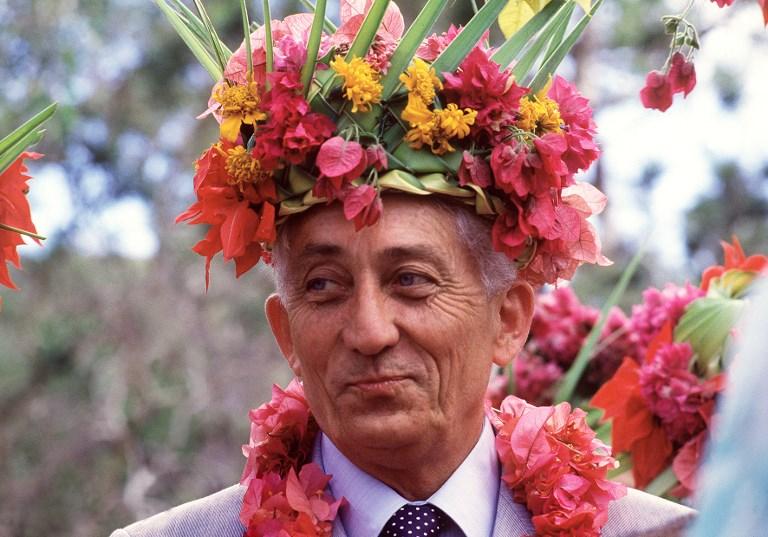 Bernard Pons lors de sa visite en Nouvelle-Calédonie en août 1987 en tant que ministre des DOM-TOM. Photo : AFP