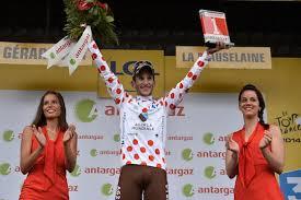 """Tour de France : Paris ne veut plus d'hôtesses """"potiches"""" sur les Champs-Elysées"""