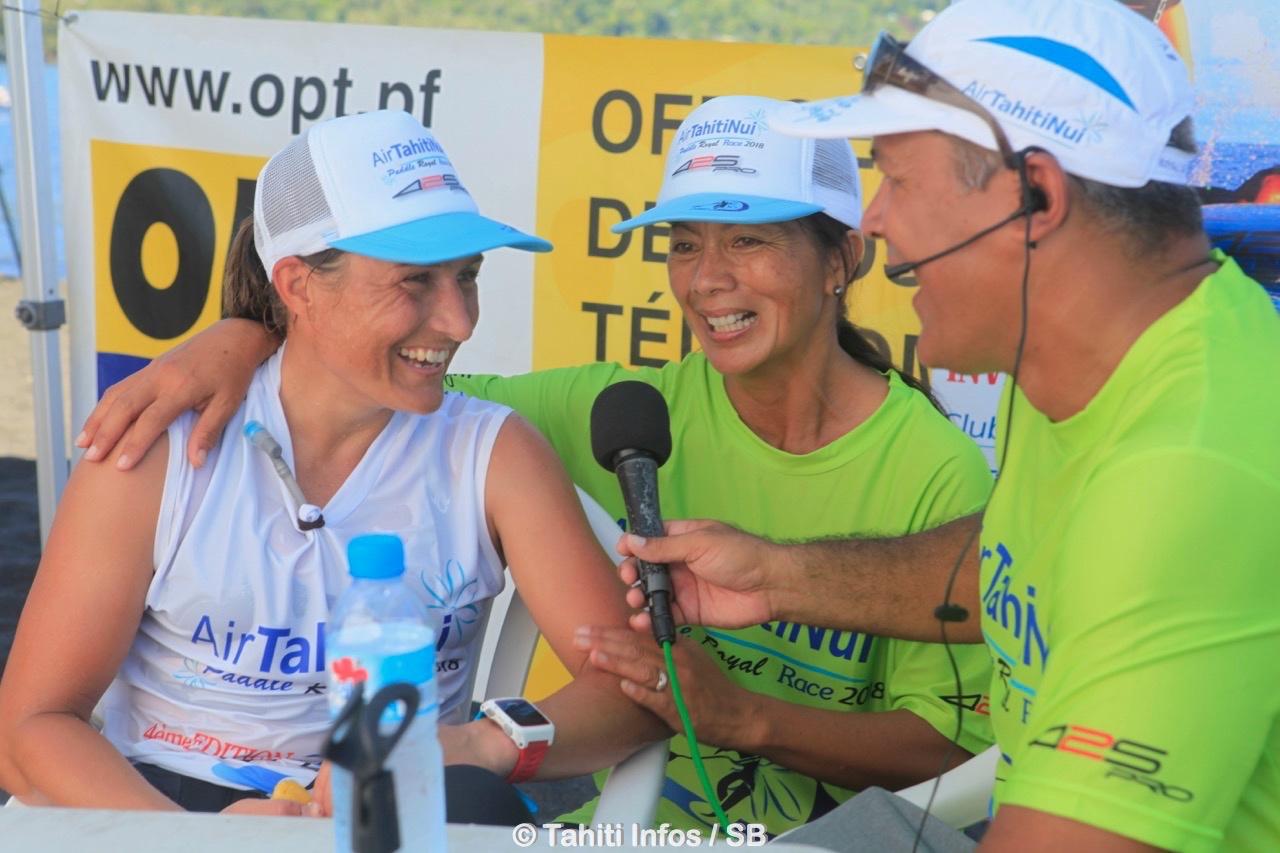 Maeva Hargrave, au centre, avec la championne du monde Annabel Anderson