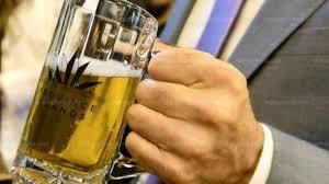 """Une start-up canadienne brasse de la bière au cannabis, """"buzz"""" rapide garanti"""