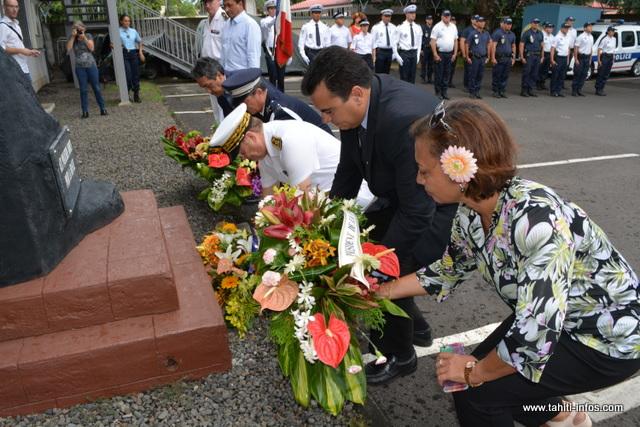 Un hommage a aussi été rendu aux policiers qui sont morts pour la France.