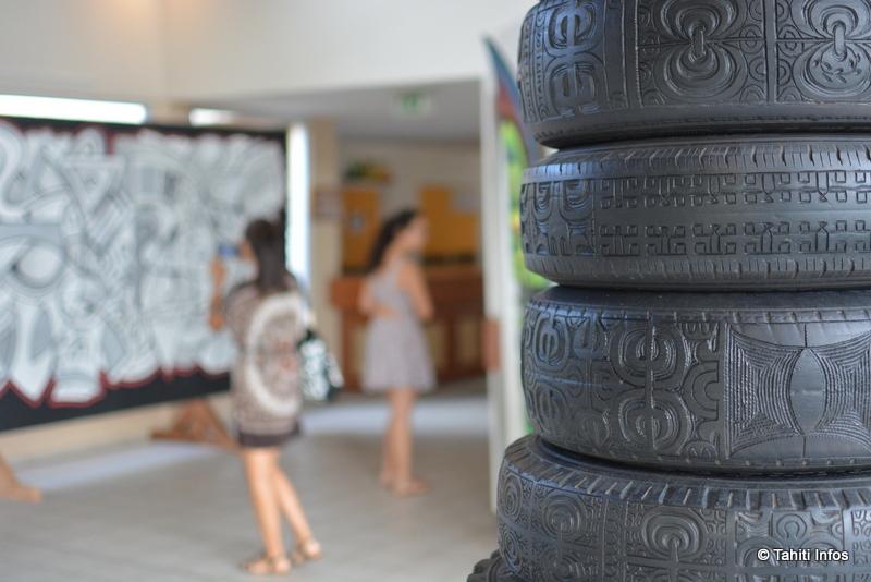La colonne de pneus d'Andreas Dettloff impressionne d'emblée les visiteurs