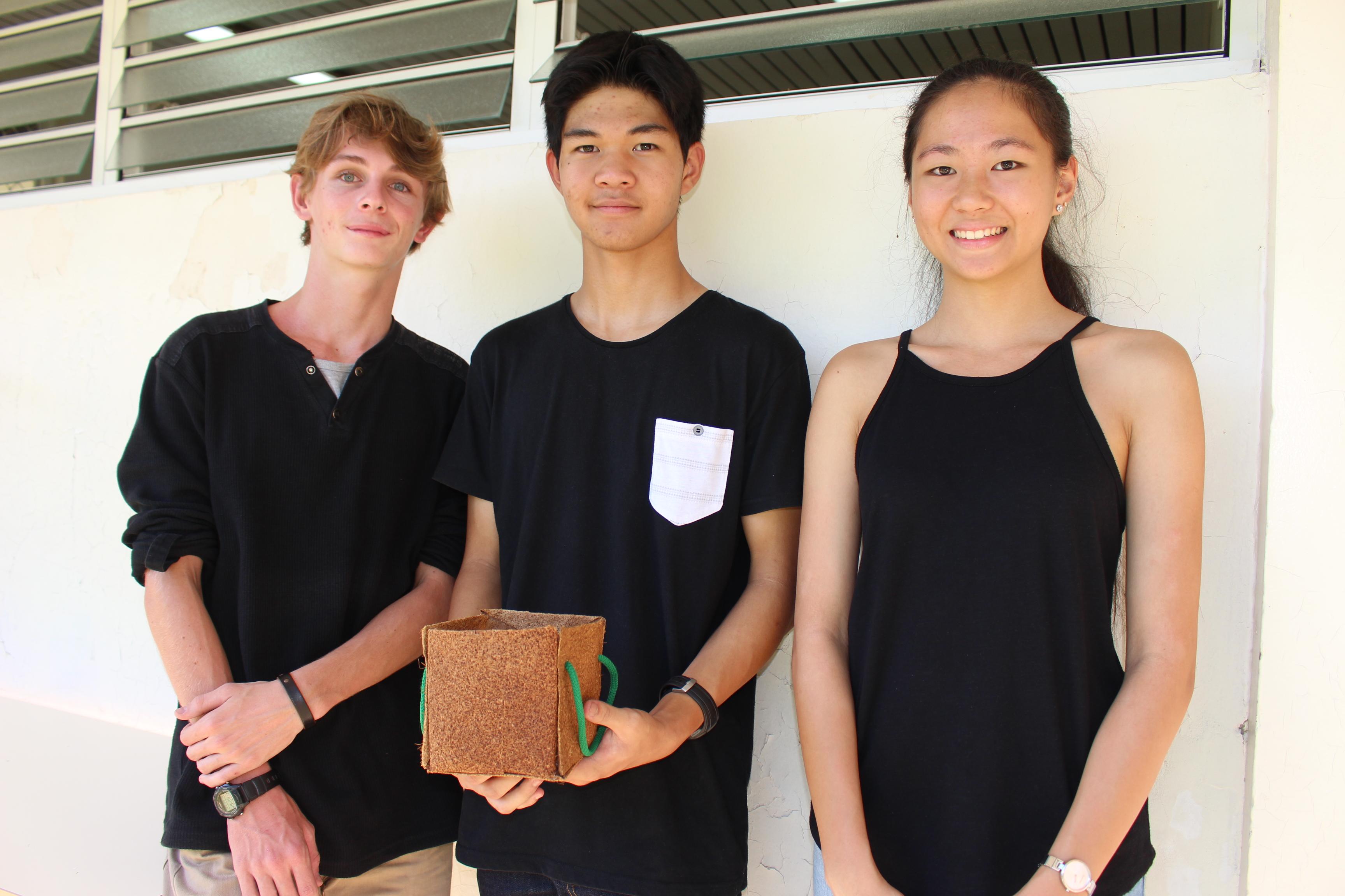 Trois élèves du lycée Paul Gauguin remportent le concours de présentation de TPE