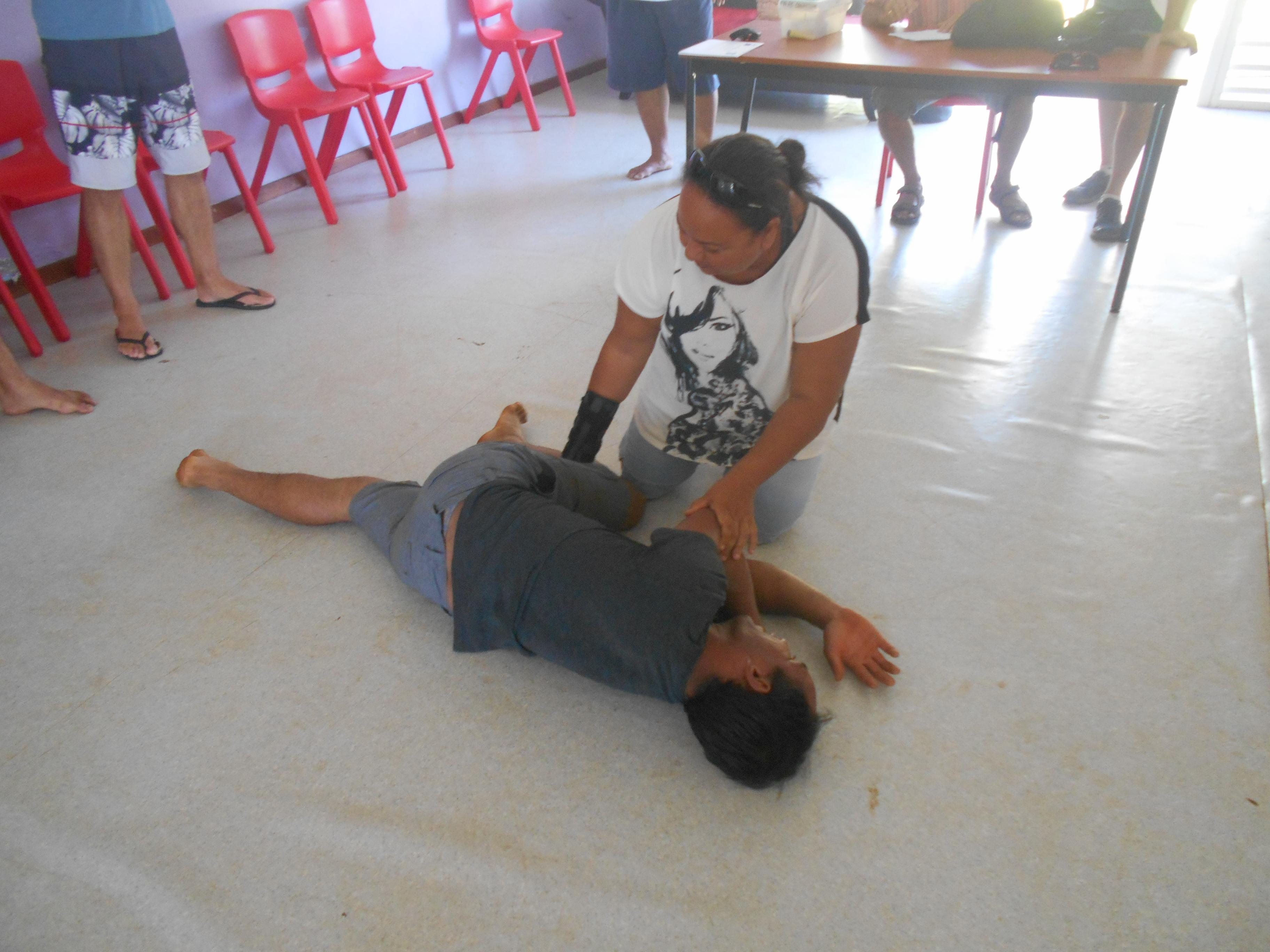 Le personnel a suivi une formation aux premiers secours qui a duré 8 heures.