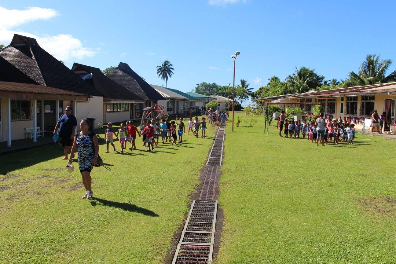 L'actuelle école maternelle de Muturea est située derrière la mairie annexe de Papeari. Elle accueille, selon le tāvana Alain Sangue, 200 enfants.