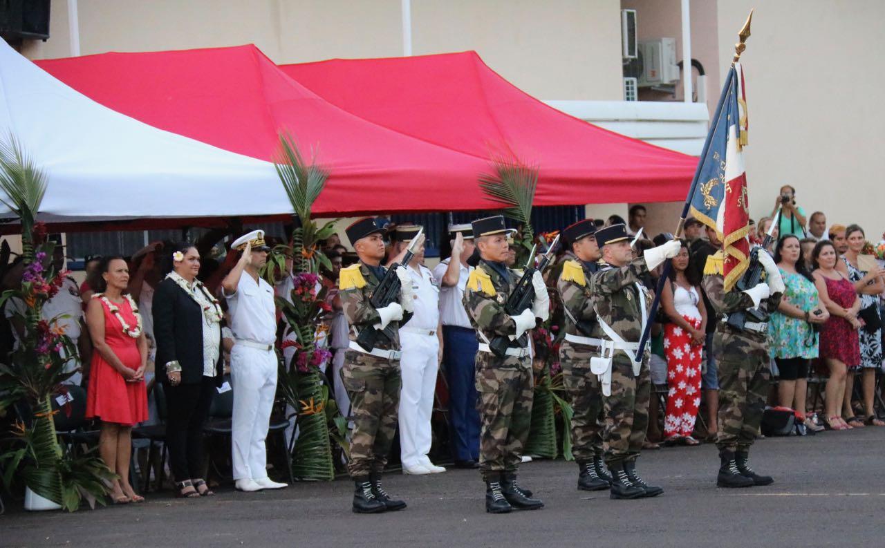 Présentation au drapeau des volontaires du RSMA