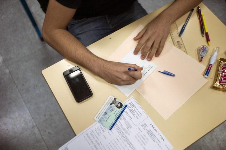 """Portable à l'école: """"signal"""" ou loi """"cosmétique"""", l'interdiction votée à l'Assemblée"""