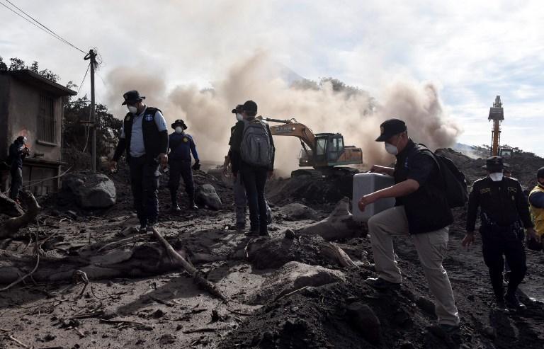 Guatemala: recherches suspendues pour raisons de sécurité autour du Volcan de Feu