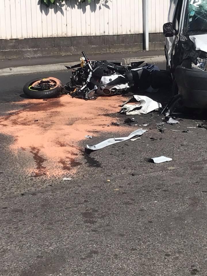 Multiples fractures pour le motard, lors d'un accident à Arue