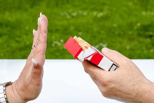 Strasbourg, ville pionnière, fait la chasse au tabac dans les parcs