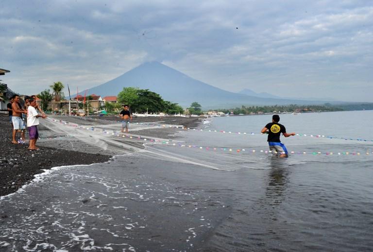 Indonésie: vols annulés à Bali après l'éruption d'un volcan