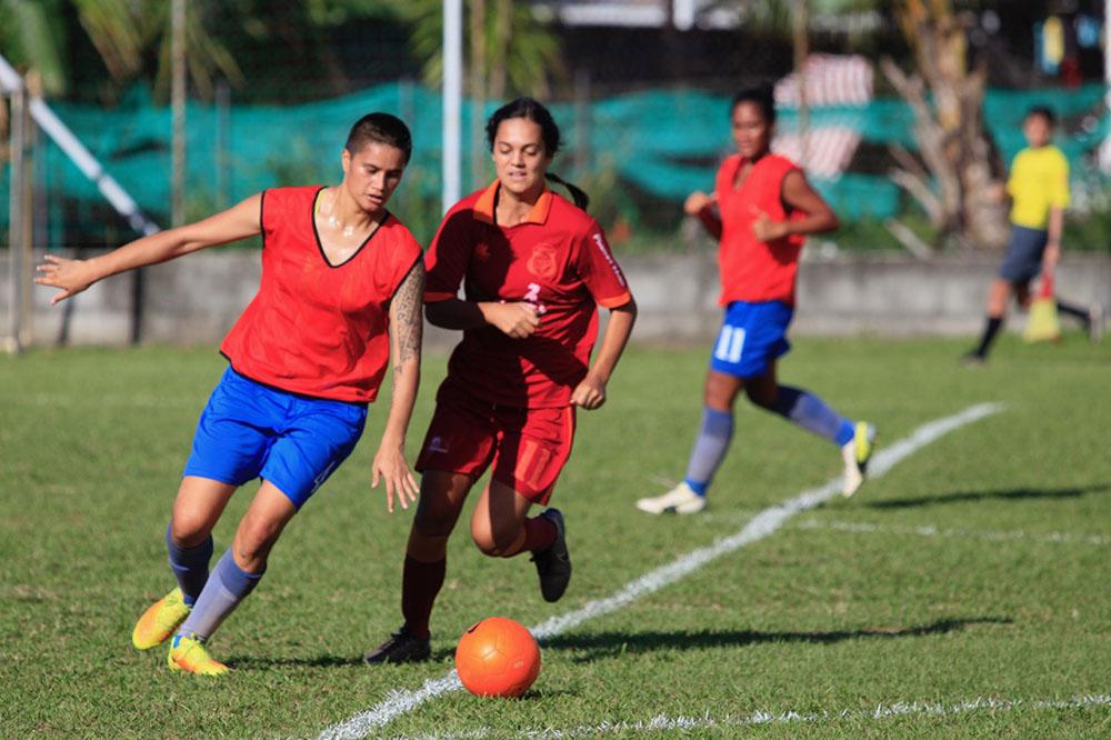 23-Le football féminin est en plein essor.