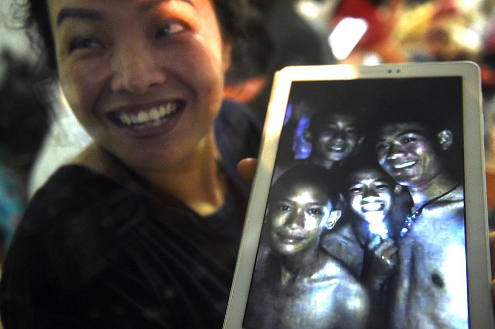 Grotte en Thaïlande: l'évacuation toujours en suspens, retour de la pluie vendredi