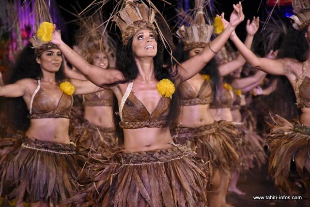 "Heiva i Tahiti : la prestation de ""Ori i Tahiti"" en images"