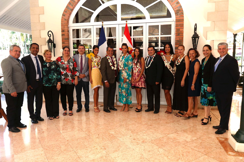 Miss Tahiti et ses dauphines reçues à la Présidence