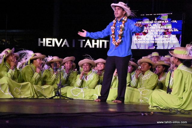 Heiva i Tahiti : la prestation de Heirurutu (chant) en photos