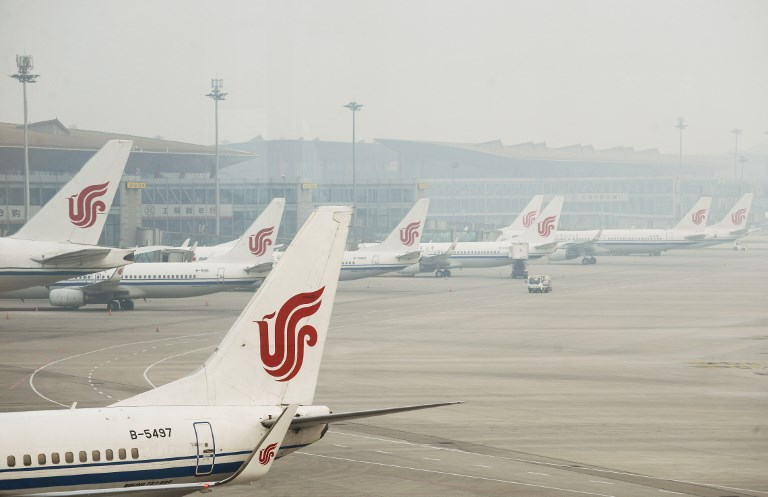 Il vapotait dans le cockpit: un copilote d'Air China interdit de vol