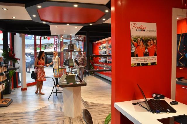 Grâce à cette licence, Pacific Mobile Telecom (Vodafone Polynésie) peut commercialiser des offres internet fixe.