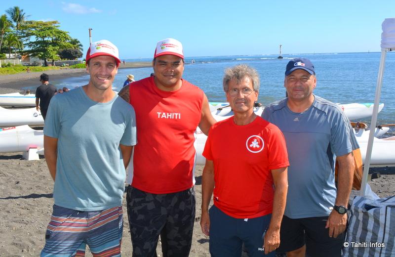 """Jean-Christophe Gonneaud (en troisième position) entouré de trois des cinq membres de la fédération handisports polynésienne ayant suivi la formation de """"classificateur"""" en Australie : Jérémie Le Fort, Clyde Ebb et Alain Barrere."""