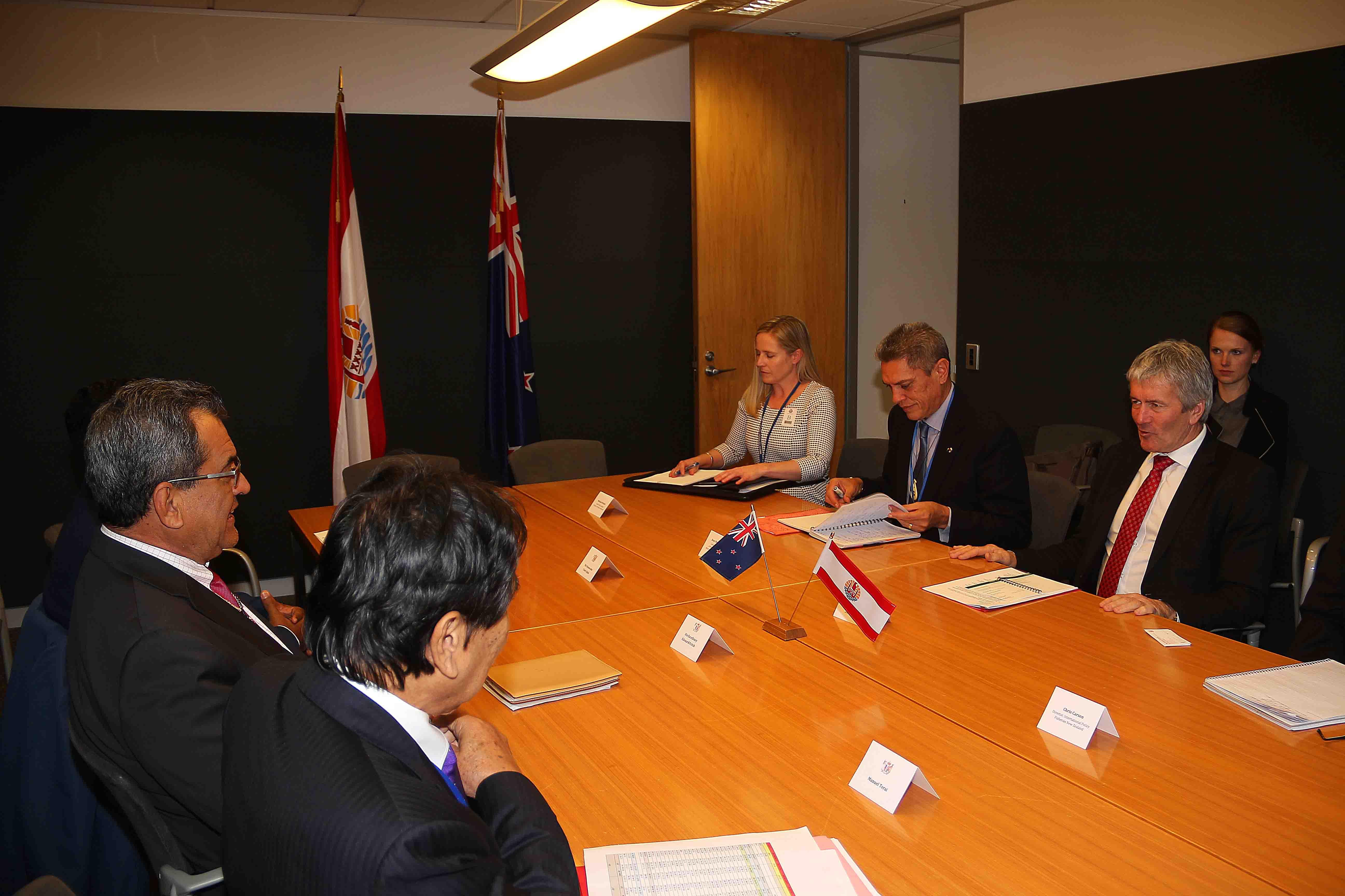 le Président Edouard Fritch s'est ensuite entretenu, dans l'après-midi, avec le ministre de l'Agriculture, Damien O'connor.