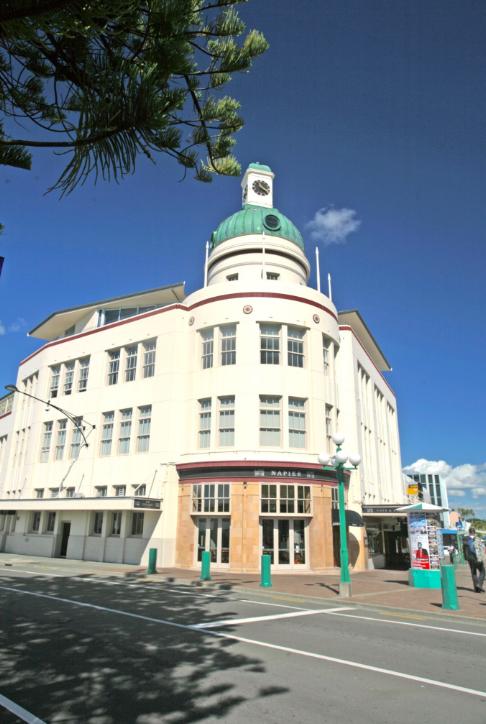 L'un des nombreux bâtiments Art Déco de la ville de Napier, complètement reconstruite après le séisme destructeur de 1931.