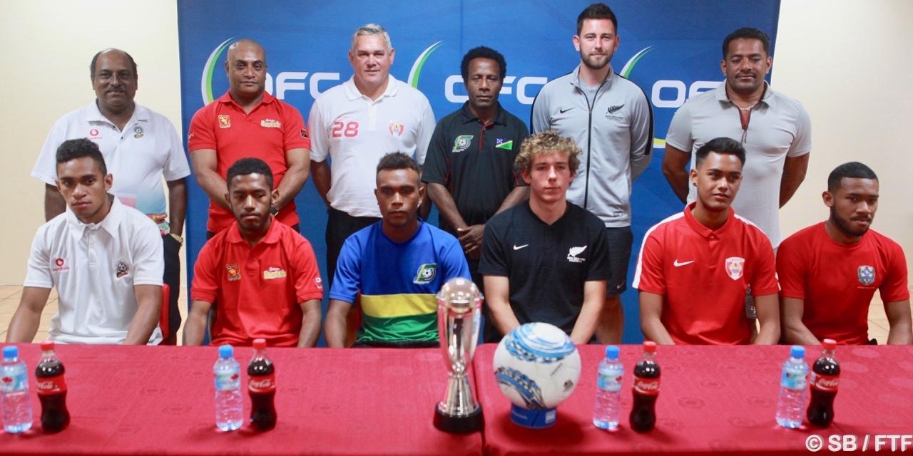 Les coachs et les capitaines d'une partie des nations représentées