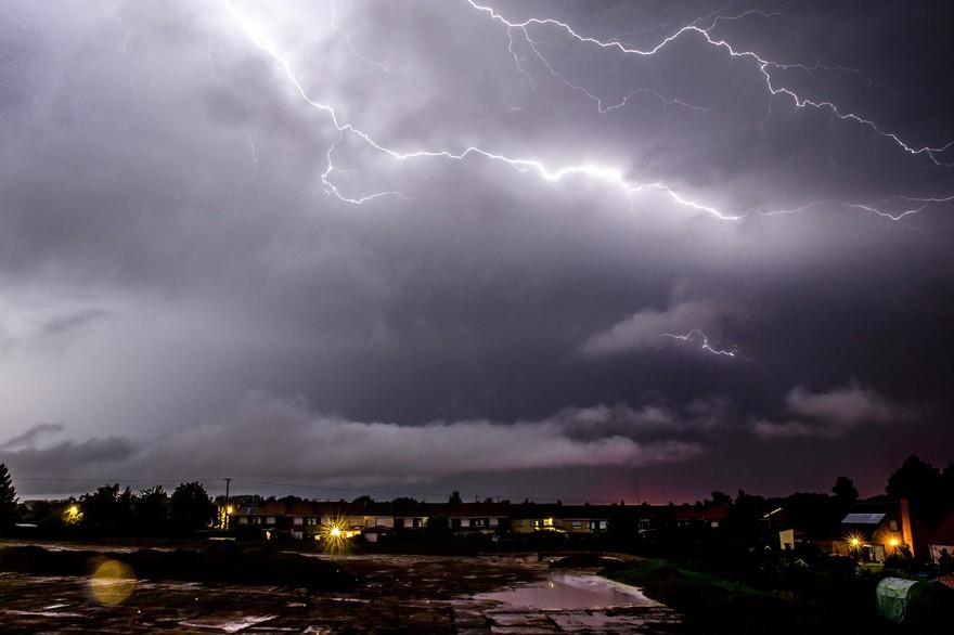 Une partie de la France frappée par des orages et de fortes pluies