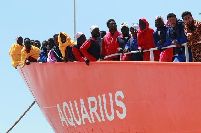De retour au large de la Libye, l'Aquarius secourt 25 migrants