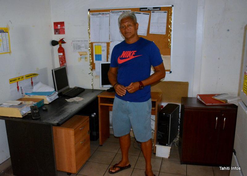 Félix a acheté un bureau pour sa fille, à 1000 francs également.