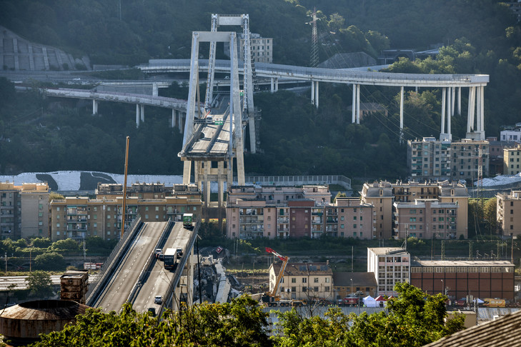 Gênes: deuxième nuit de recherches dans les décombres du viaduc