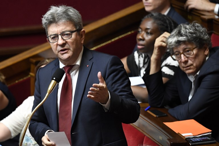 """Mélenchon promet de faire des élections européennes un """"référendum anti-Macron"""""""