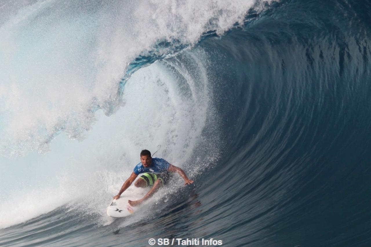 Michel Bourez est actuellement le surfeur pro français le mieux classé