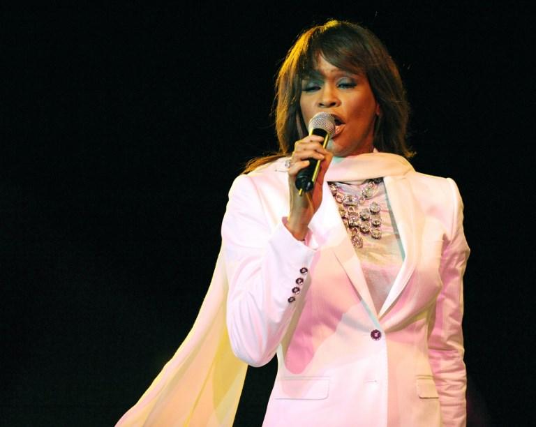 """Whitney"": les blessures intimes de la légende pop Whitney Houston"