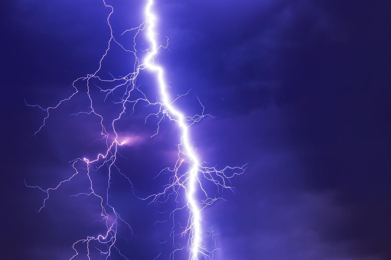 """""""Chasser les éclairs"""" en Corse pour améliorer les prévisions"""