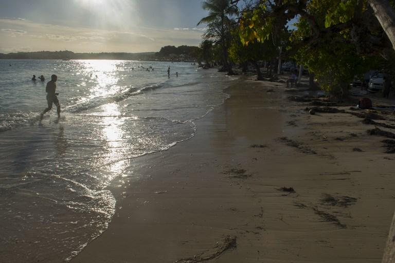 Guadeloupe et Martinique passent en alerte rouge à l'approche de la tempête Isaac