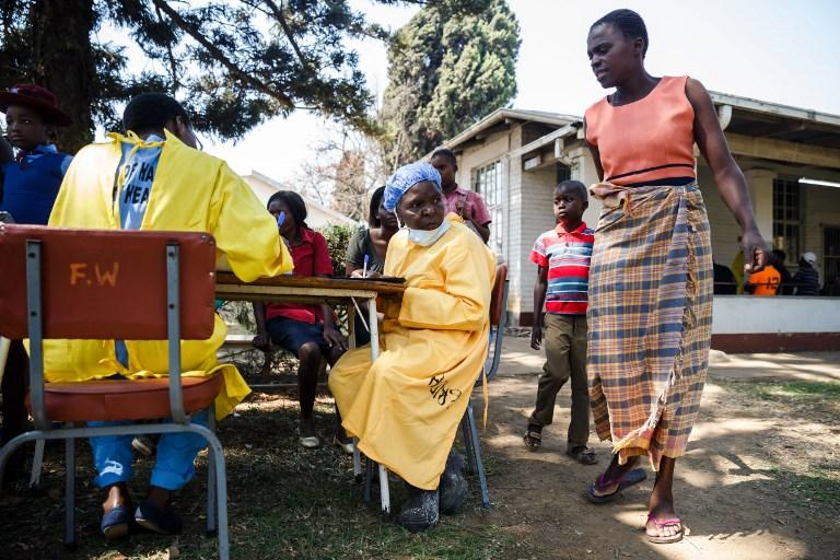 Choléra au Zimbabwe: 24 morts selon un nouveau bilan, pénurie de médicaments