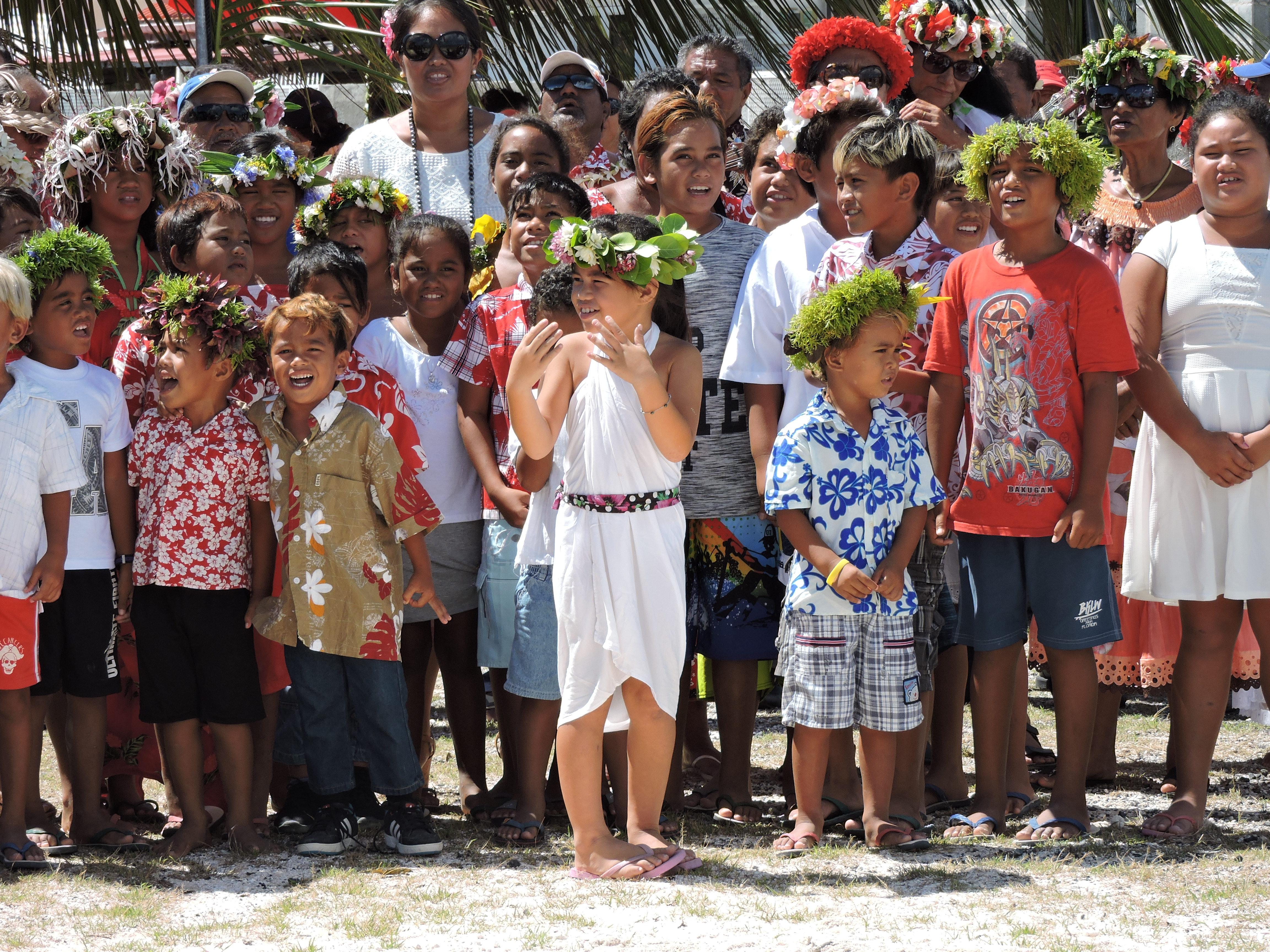 """""""Beaucoup d'îles n'ont même pas de collèges et les enfants doivent quitter leurs îles et leurs familles dès l'âge de 10 ans"""", regrette Transitions Sans Frontières - Oti'a 'Ore."""