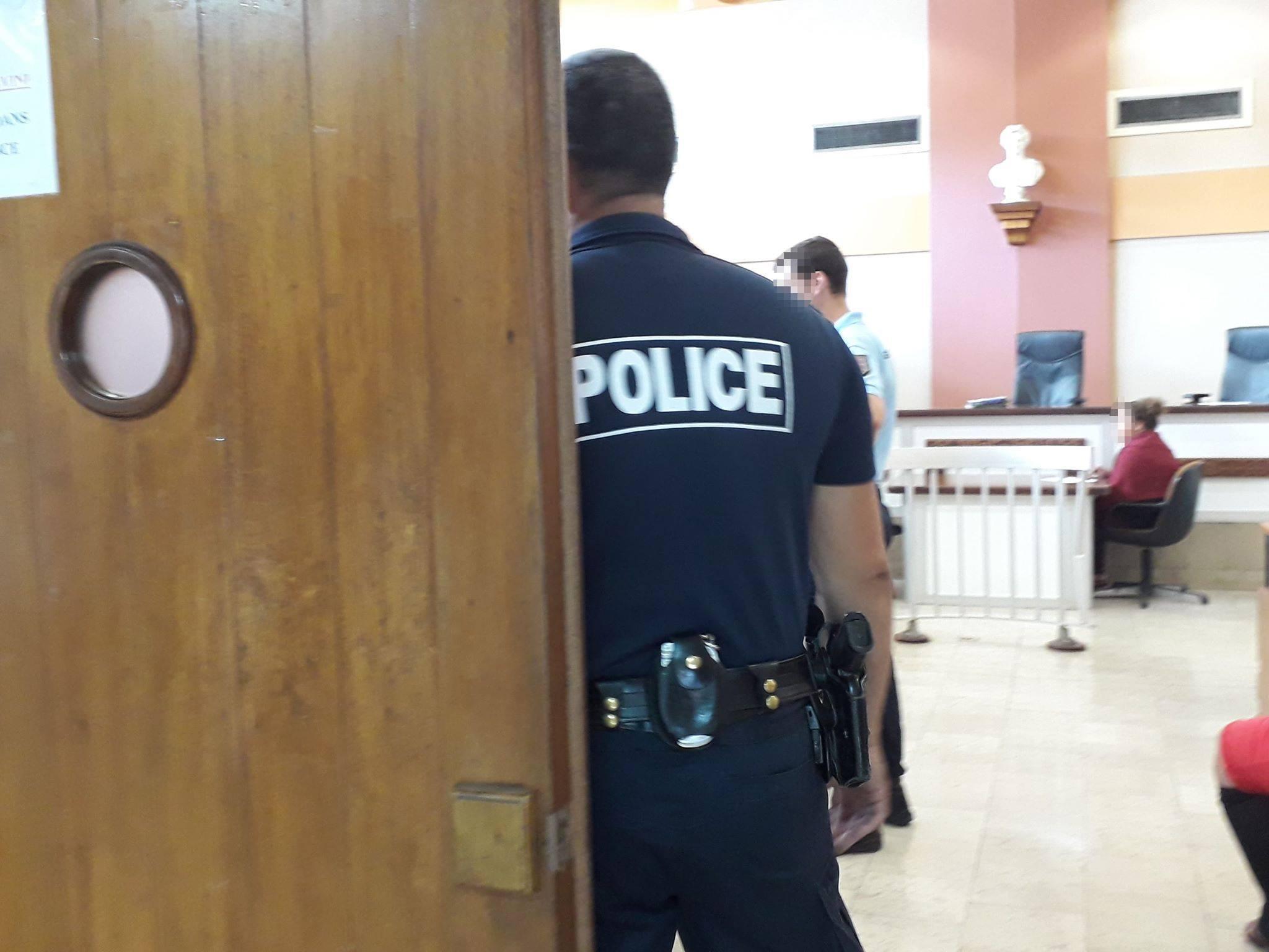 Prison ferme pour avoir frappé sa femme enceinte de 6 mois
