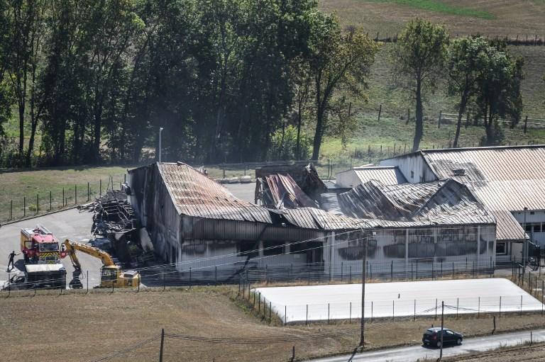 La piste criminelle privilégiée après l'incendie d'un abattoir dans l'Ain